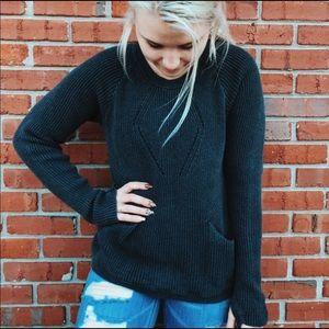 Lululemon athletica grey knit sweater thumb holes